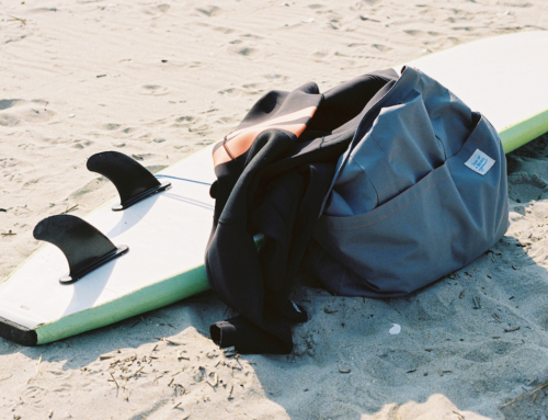How to quickly and compactly pack on a surf trip
