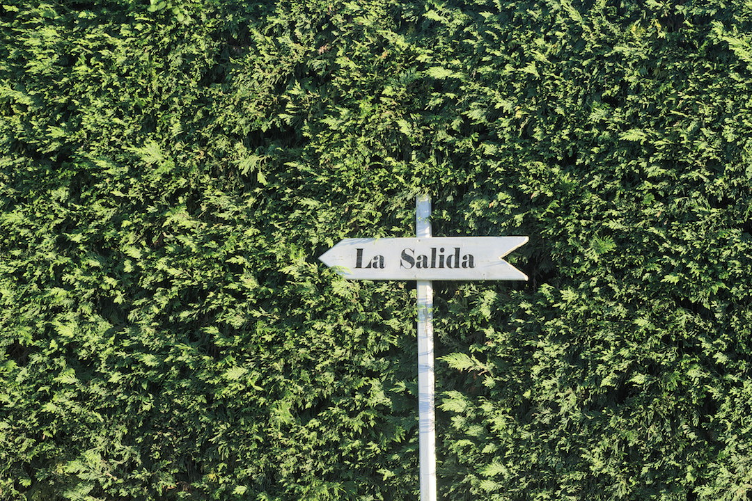 Picture of a sign La Salida in Pazo da Touza in Nigran