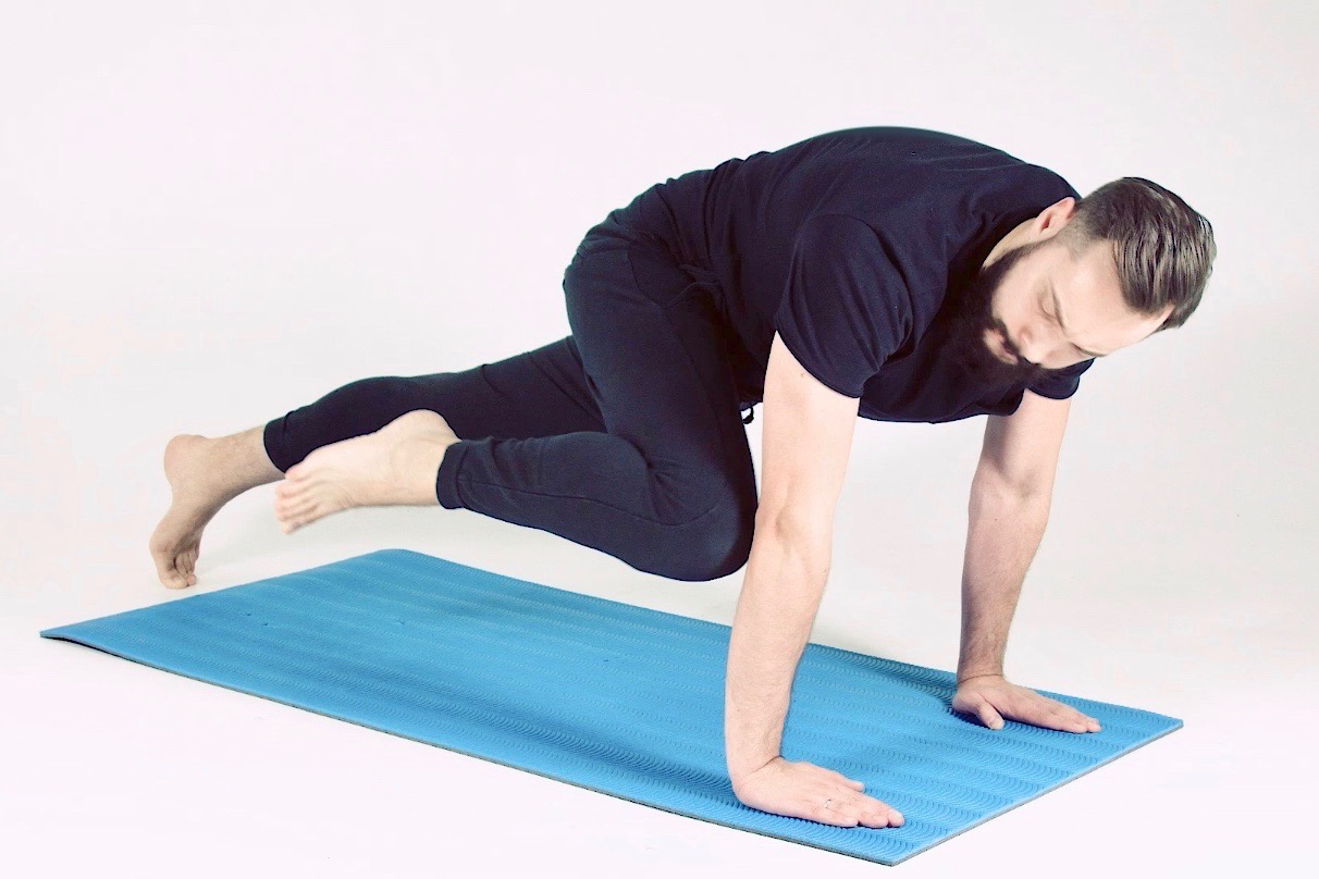 Picture of Son of a Beach blogger performing core exercise