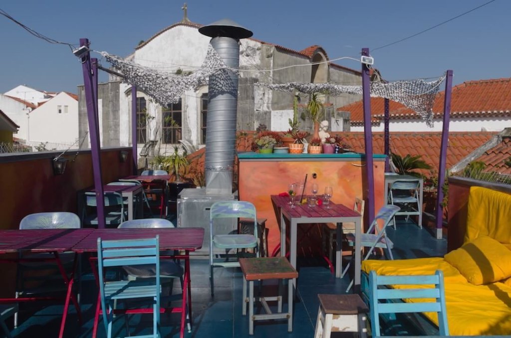 A rooftop restaurant in Cascais